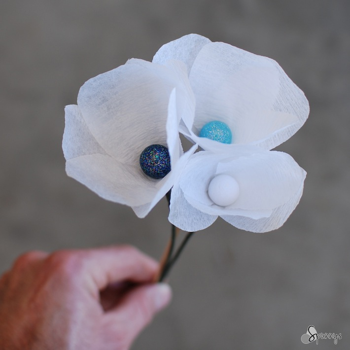 paper flower stamen DIY craft tutorial