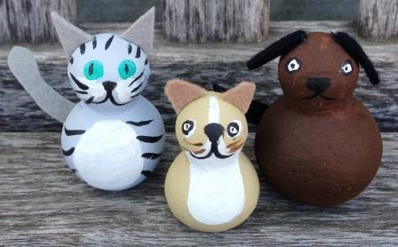 Painted peg dolls cat dog