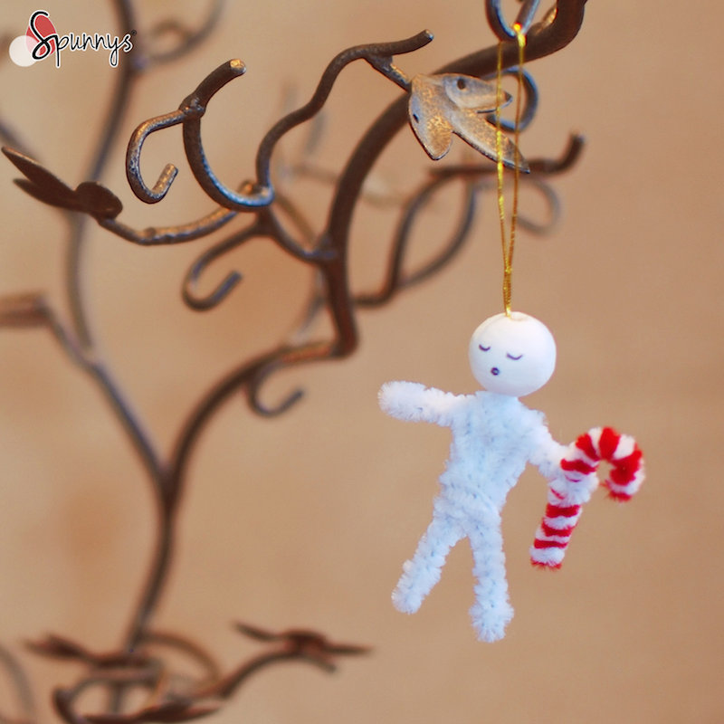 Christmas paper bead pipe cleaner ornaments