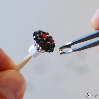 bijoux pendentif champignon papier recouvert de cristaux