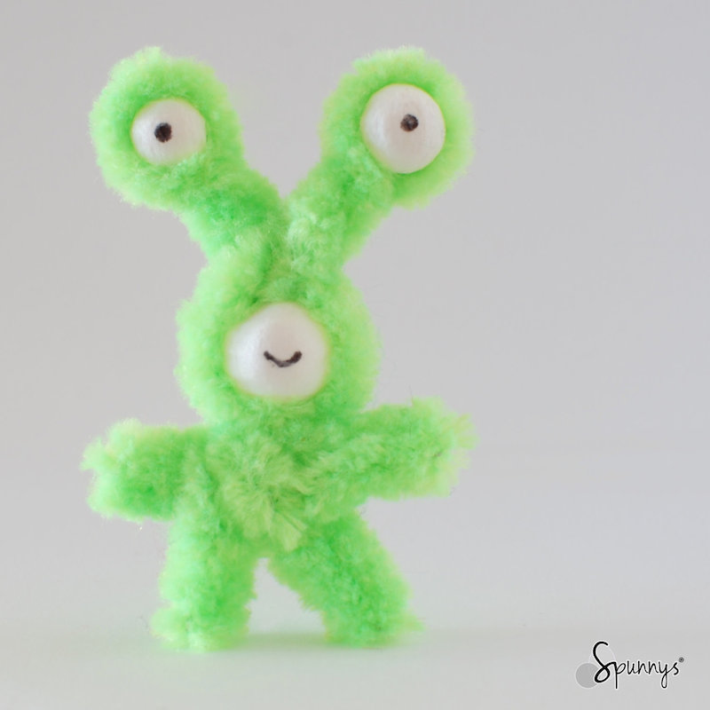 pipe cleaner green alien monster