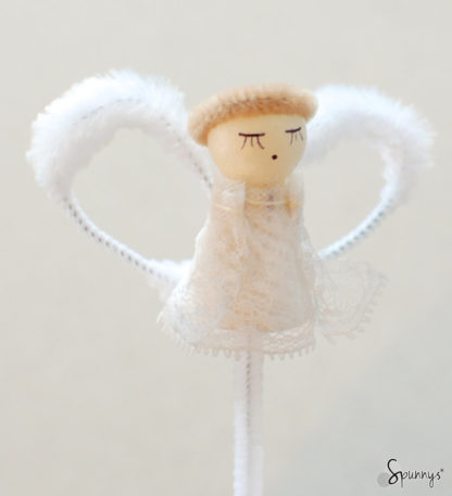 pipe cleaner vintage angel ornament DIY tutorial