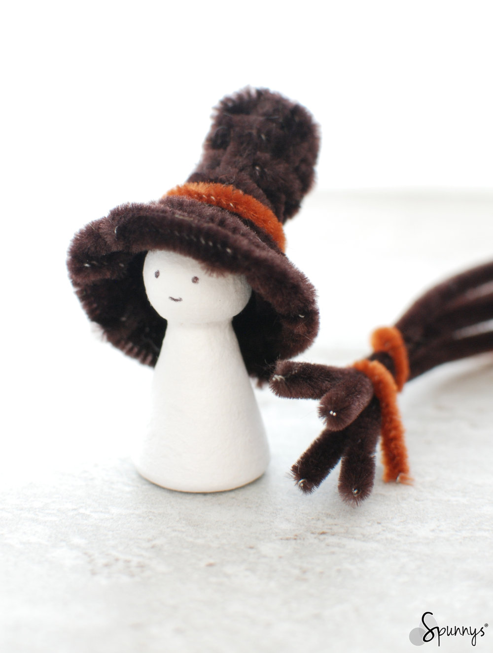 miniature hats for crafts