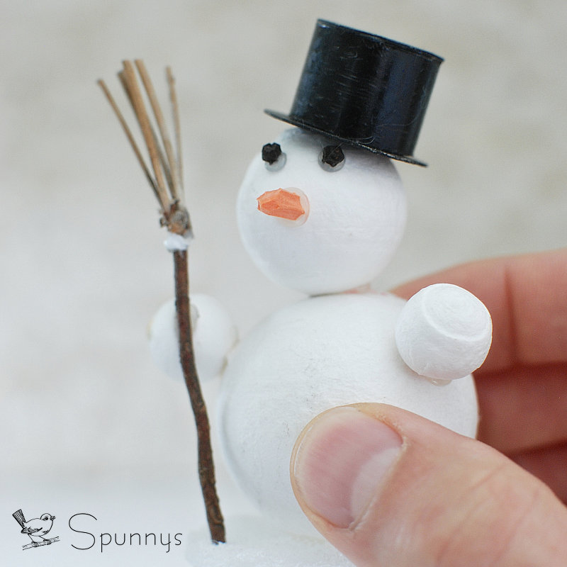 DIY spun cotton snowman ornament