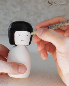 How to paint a kokeshi doll